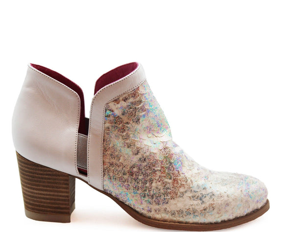 Plume - White Iridescent-LAST PAIR 37!