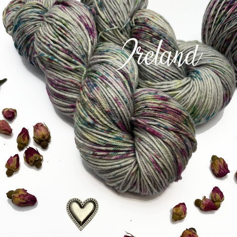 Wonderland Yarns De-stitch-nation Yarn of the Month