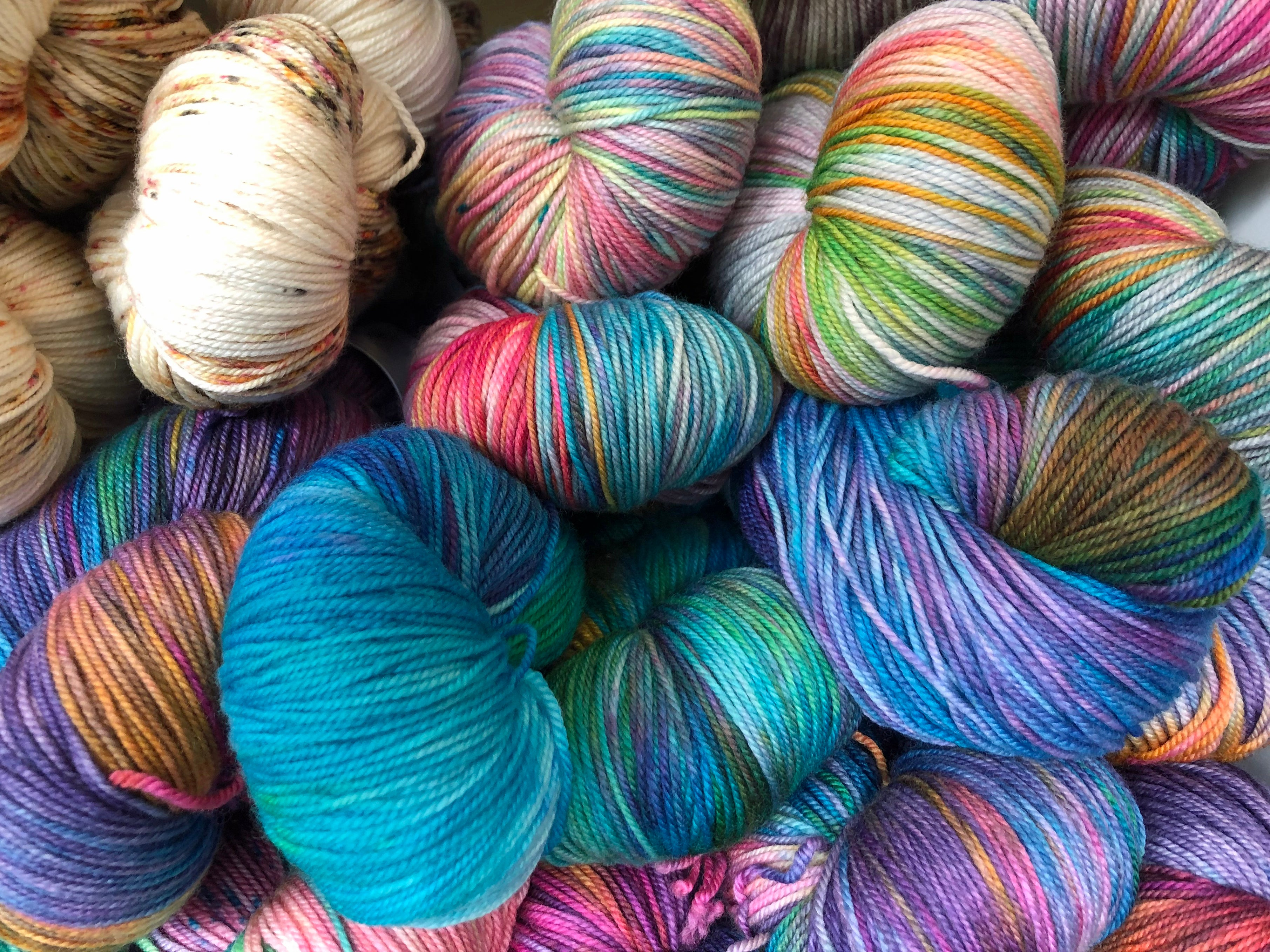 Must Love Yarn!