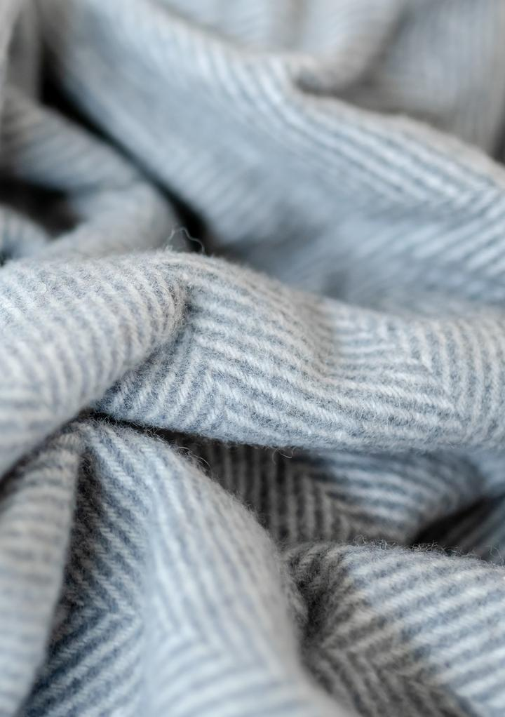 WOOL BLANKET - charcoal herringbone