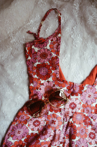 THE FLOWER POWER ONE PIECE