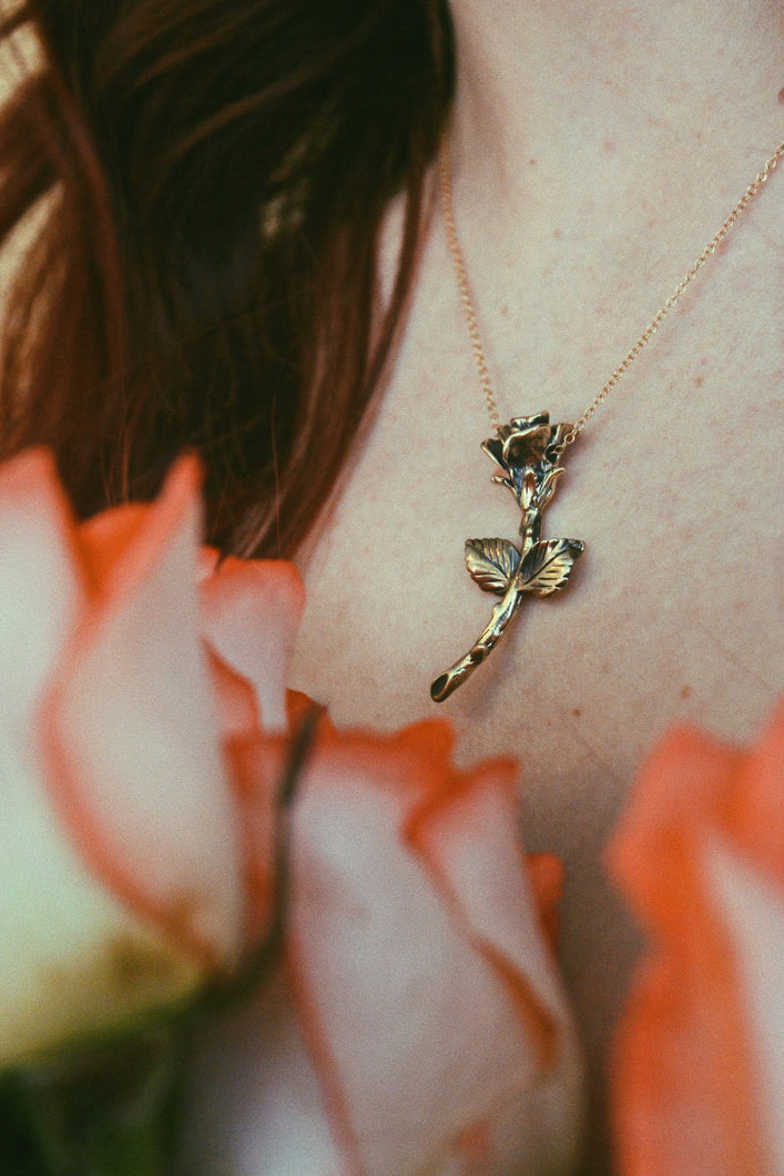 ROSE RIDER NECKLACE