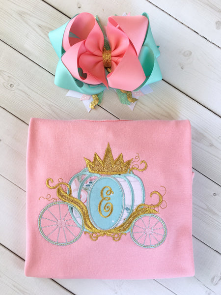 Gorgeous princess shirt for girls, toddlers and babies. Cinderella -inspired carriage topped with glitter crown, custom with first initial in the center. Matching hair bow.