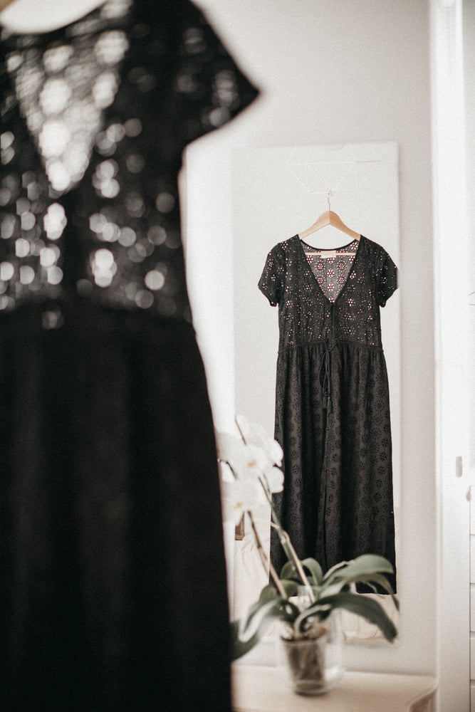 Load image into Gallery viewer, Vicky Dress - Noir Broderie