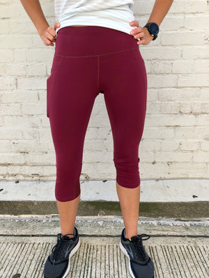 Oiselle Triple Threat Capris (Crimson)