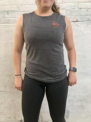 Oiselle Flyout Muscle Tank (Black/White)