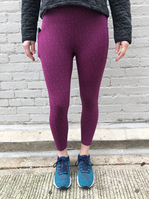 Oiselle Firecracker Reflective 3/4 Tights (Queen Flying Birds)