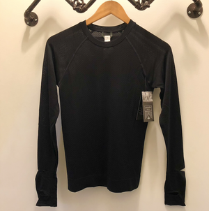 Oiselle Flow Long Sleeve (Black/Black) x Outrunning the Patriarchy