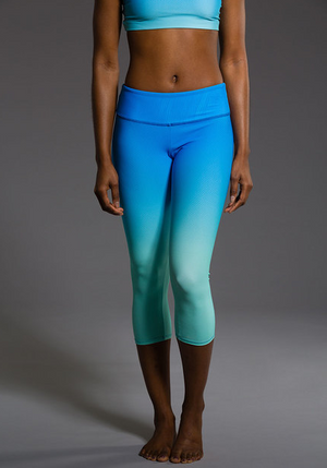 Onzie Graphic Capri (Indian Blue Ombre)