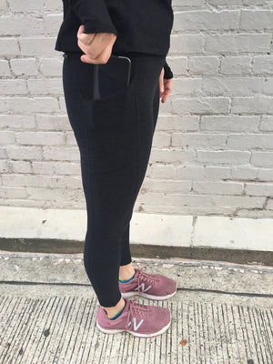 Oiselle Lux Go Anywhere 3/4 Tights (Black/Black)