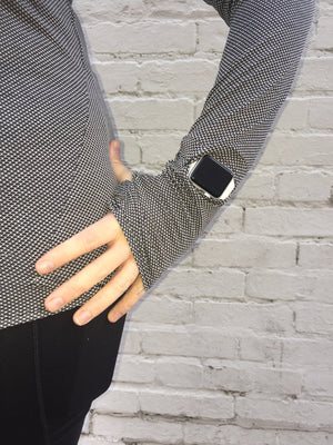Oiselle Flyout Long Sleeve (Black/White)