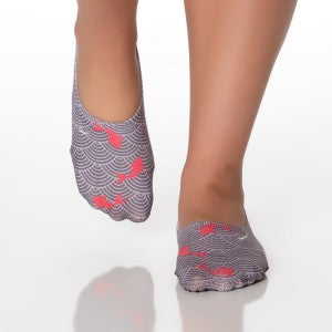 Shashi Low-Cut Barre Socks (Koi Wave)
