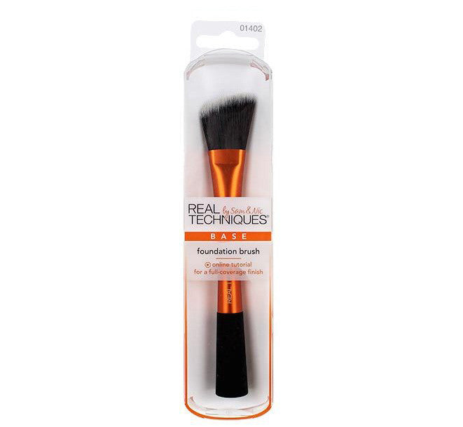 Foundation Brush by Real Techniques
