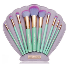 The Glam Clam Makeup Brush Set by Spectrum