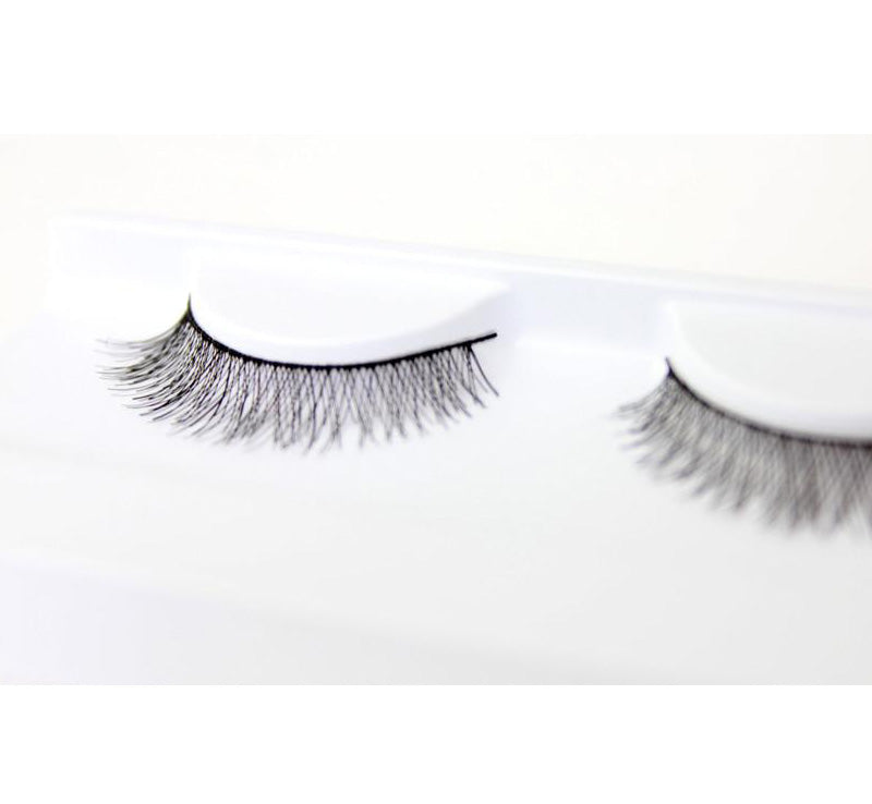 XOBEAUTY THE INNOCENT FALSE LASHES Glam Raider
