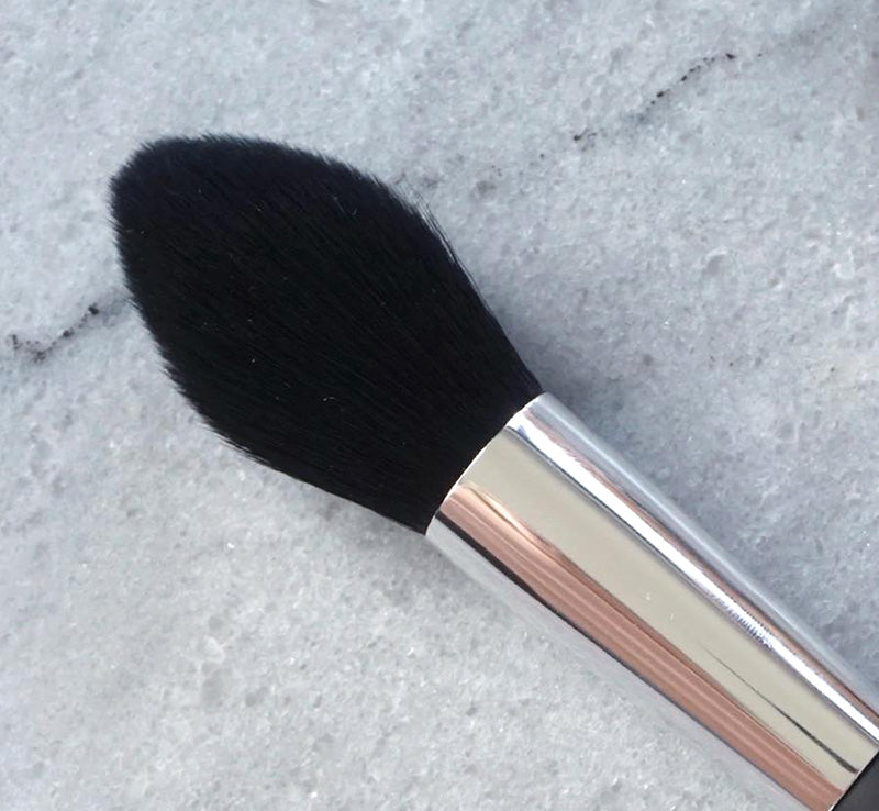 XOBEAUTY SHIMMER TULIP BRUSH Glam Raider