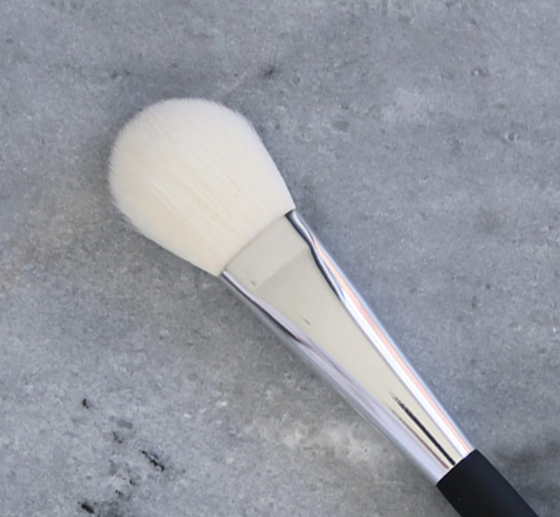 XOBEAUTY SMALL FACE BRUSH Glam Raider