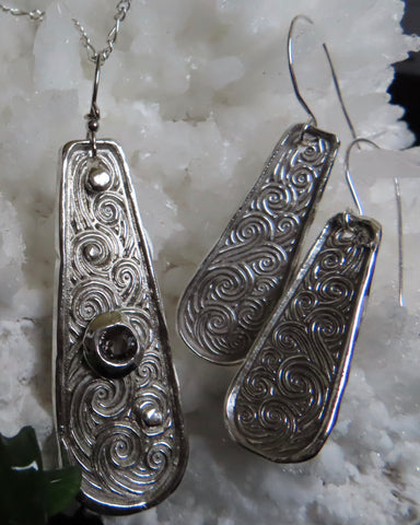"""Silver Winds"". 3pc set in Sterling silver with spinel pendant and chain + earrings"