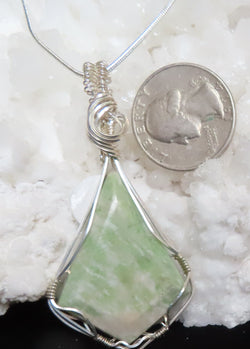 """Waves of Green"" Serpentine pendant with chain"