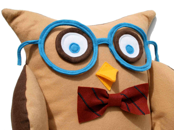 Oliver - A Slightly Geeky Owl 16 inch pillow cover - Studio Arethusa  - 4