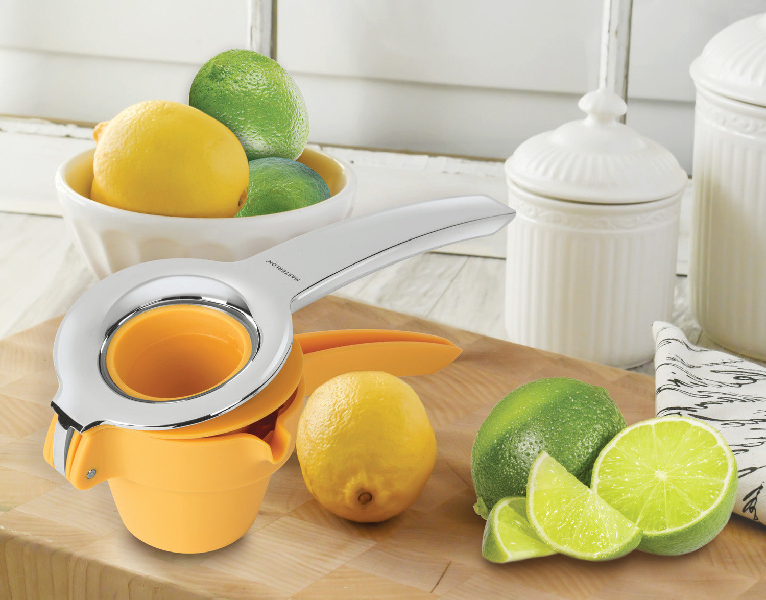 LEMON & LIME PRESS WITH EASY POUR SPOUT YELLOW, 9