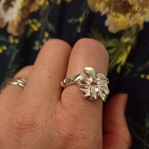 "Flower ""Petals"" Sterling Silver Flower Ring"