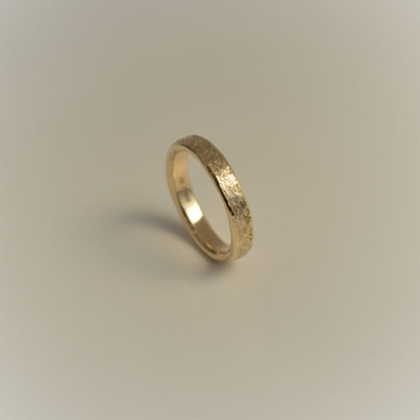 "9ct Yellow Gold ""Classics"" Hammered/Textured Ring Band."