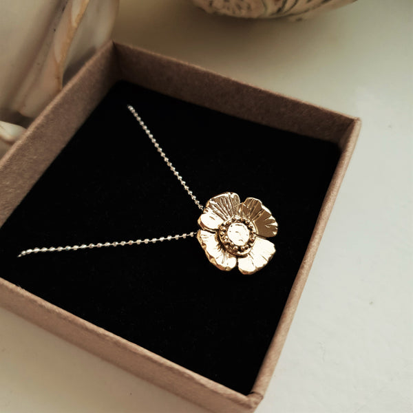 Poppy Necklace in 9ct Yellow Gold.