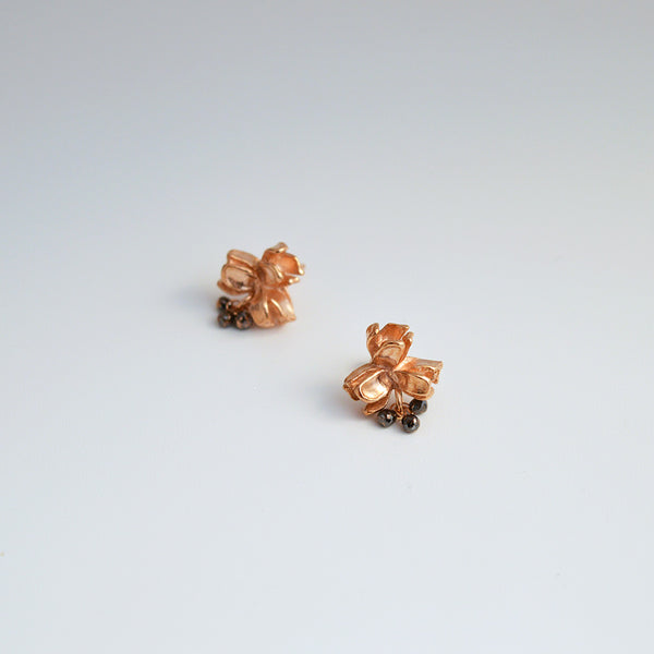 "Triple ""Buds"" Rose Gold-plated Earrings with Black Diamonds Drops."