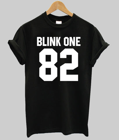 blink one 82  T shirt