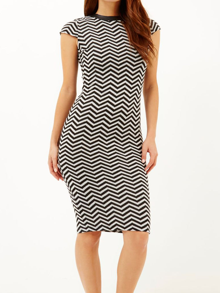 Ladies Fashion Chevron Print Bodycon Midi Dress With High Neckline (Front Modeled)