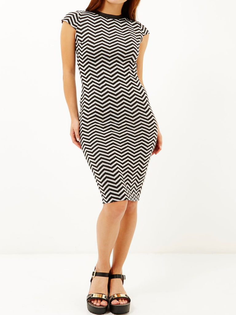 Women's Fashion Chevron Print Bodycon Midi Dress With Capped Sleeves (Front Modeled)