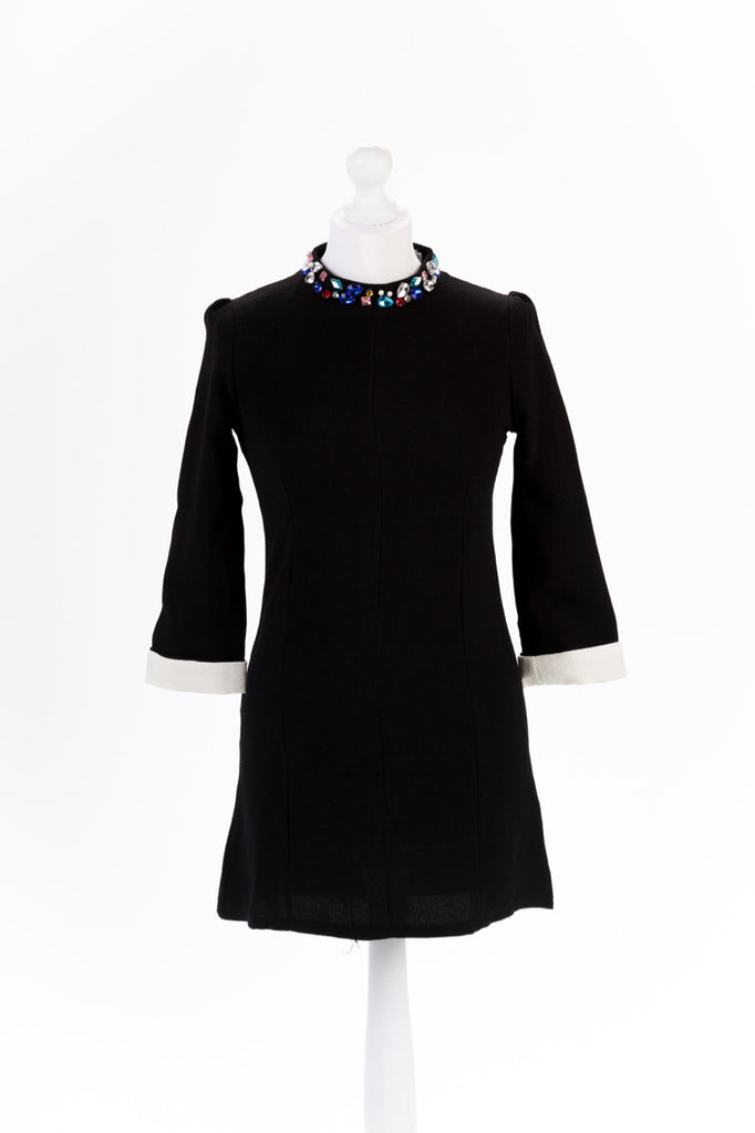 Jewel Neck Shift Dress in Black - Close Up