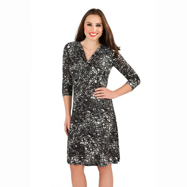 Women's Fashion Dress - Grey Pebble Print Day Dress With V-Neckline & 3/4 Length Sleeves - Front