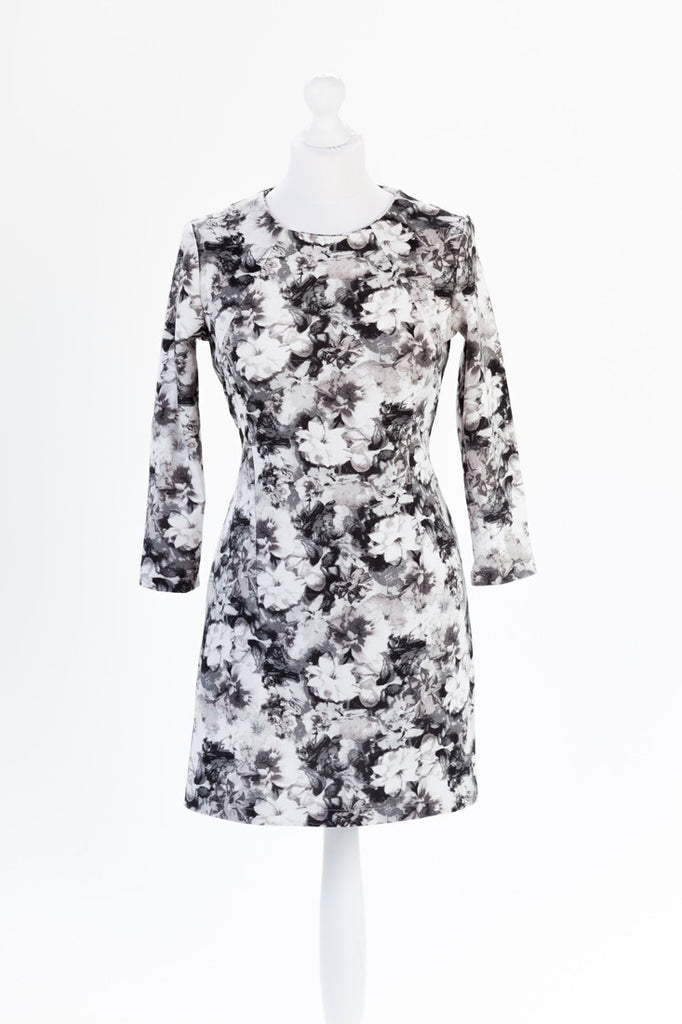 Photo Print Floral Shift Dress - Round Neckline