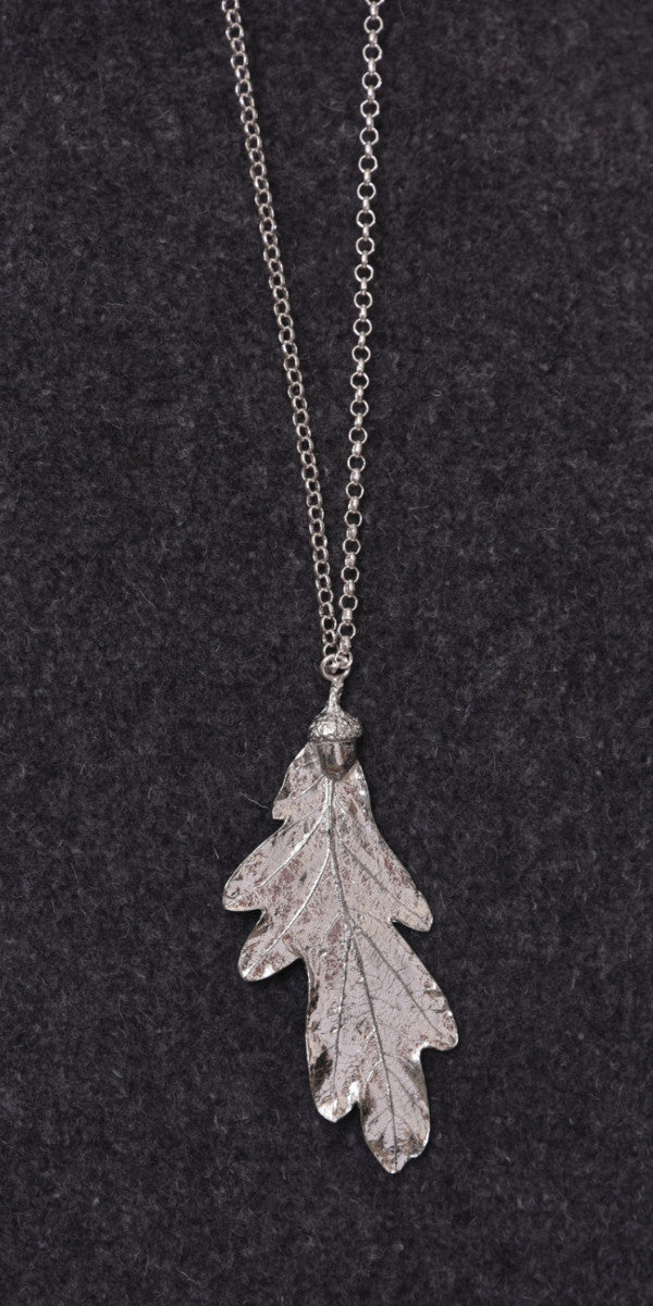 Pewter Oakleaf on Silver chain Necklace (Large)