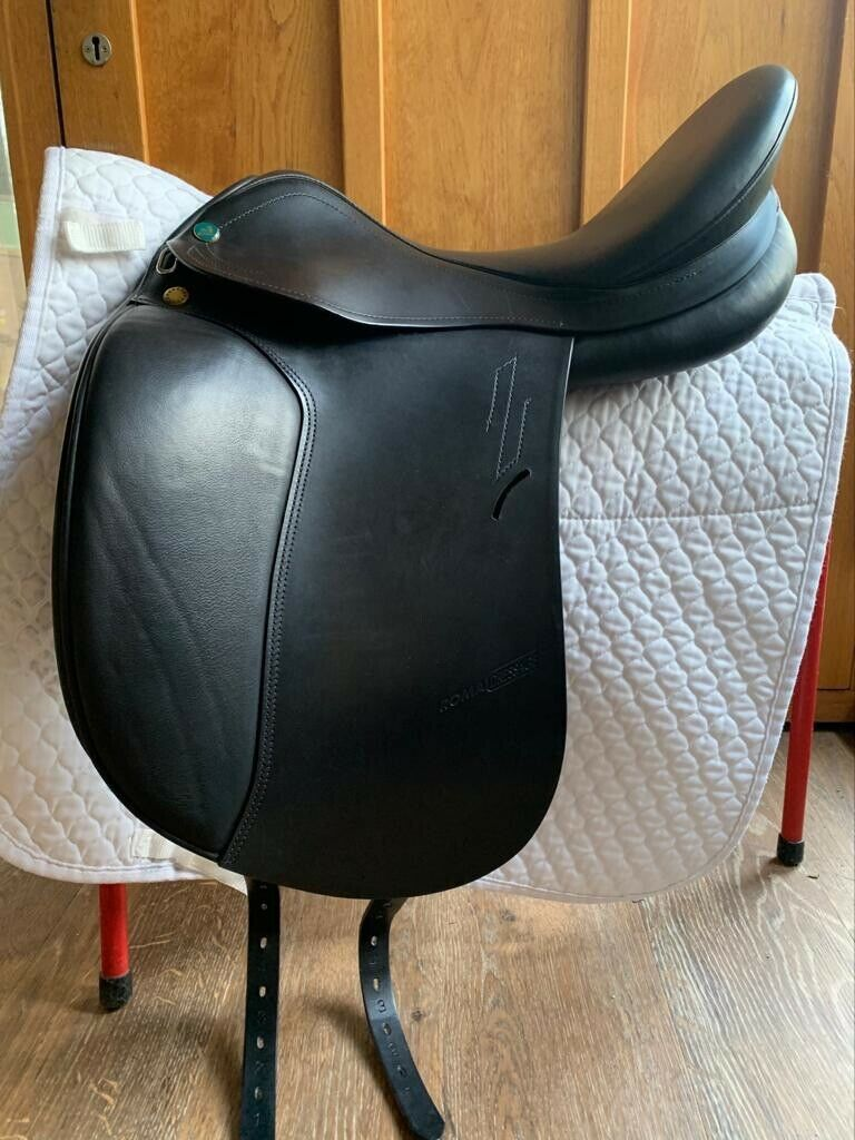 "Prestige Roma Dressage Saddle 17"" Wide Fit (35) Black Used"