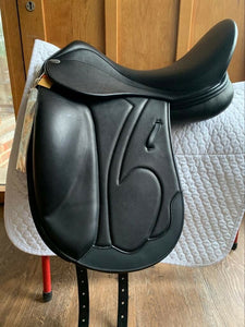 "Harry Dabbs Mariella Monoflap Dressage Saddle 17.5"" Black Ex Demo"