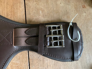 "English Leather Event Stud Girth - Havanna 70cm (28"")"