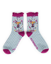 Load image into Gallery viewer, Powder A-Z Ankle Socks - T