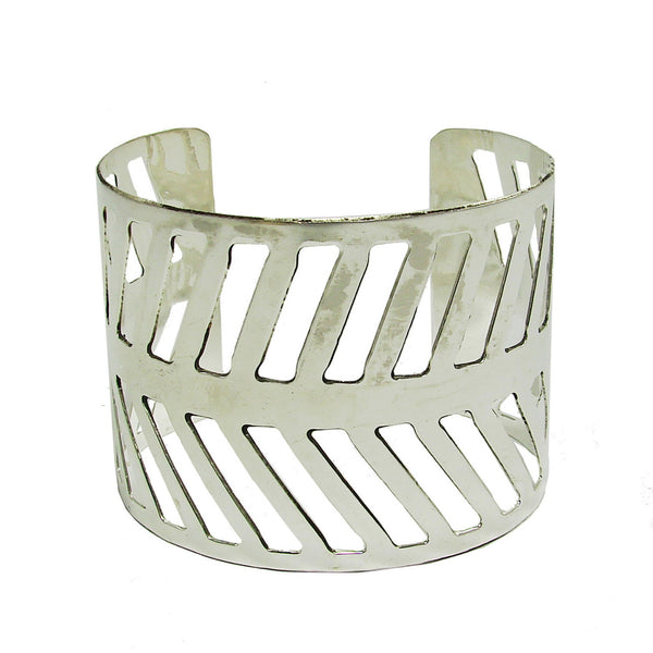 Chevron Path Cuff - silver - WorldFinds