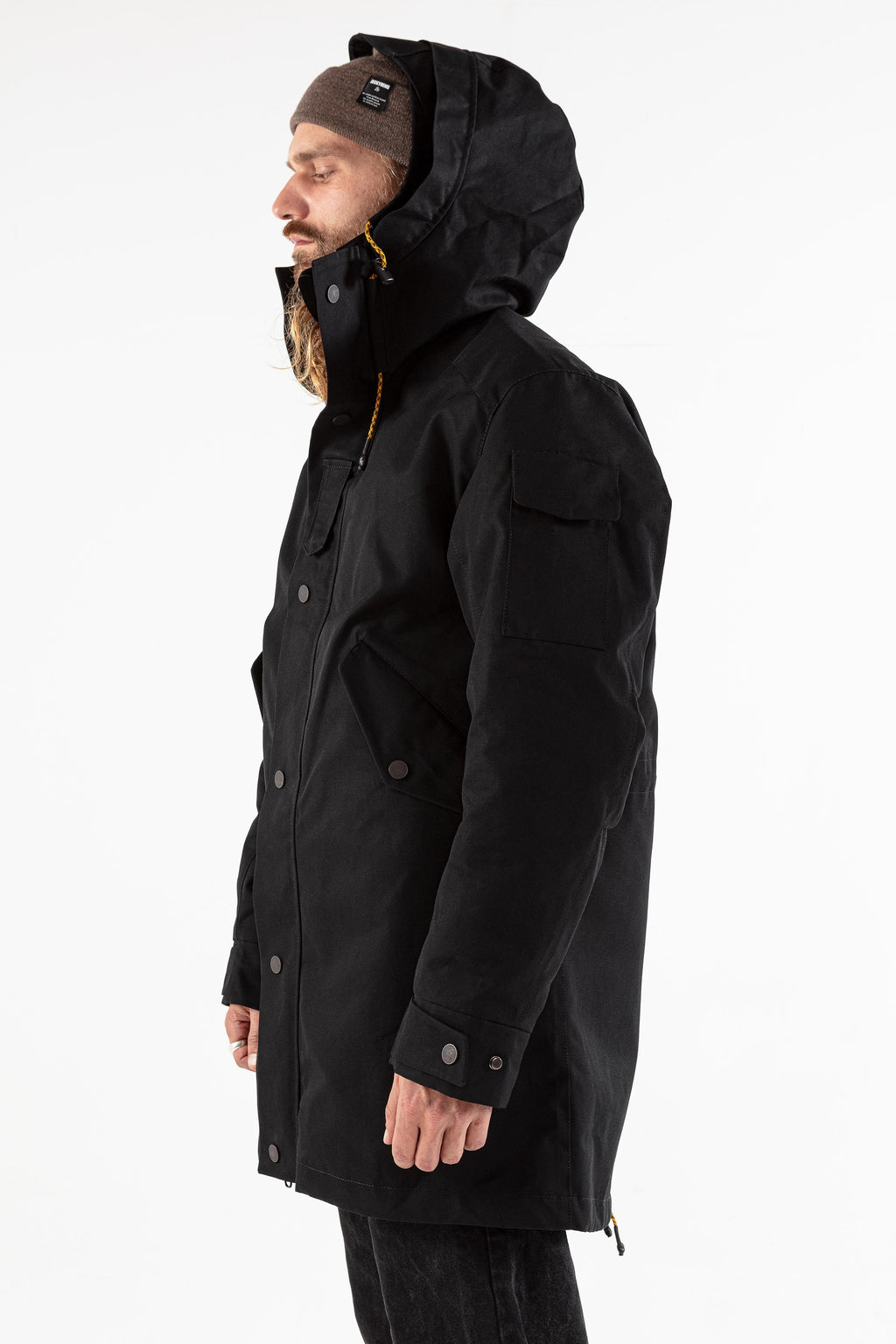 The JACKET deep black