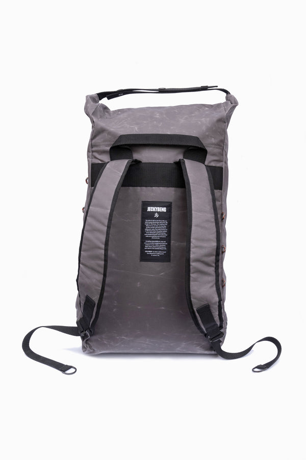 The RUCKSACK Waxed stone grey
