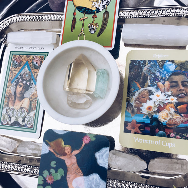 REVEAL// Intuitive Readings & Practices