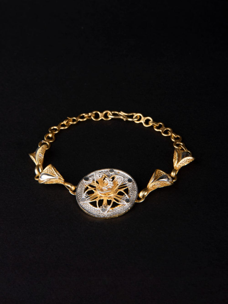 Load image into Gallery viewer, Golden bracelet