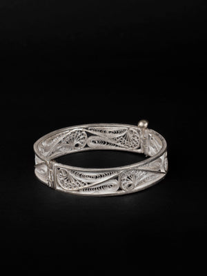Load image into Gallery viewer, Filigree bangles