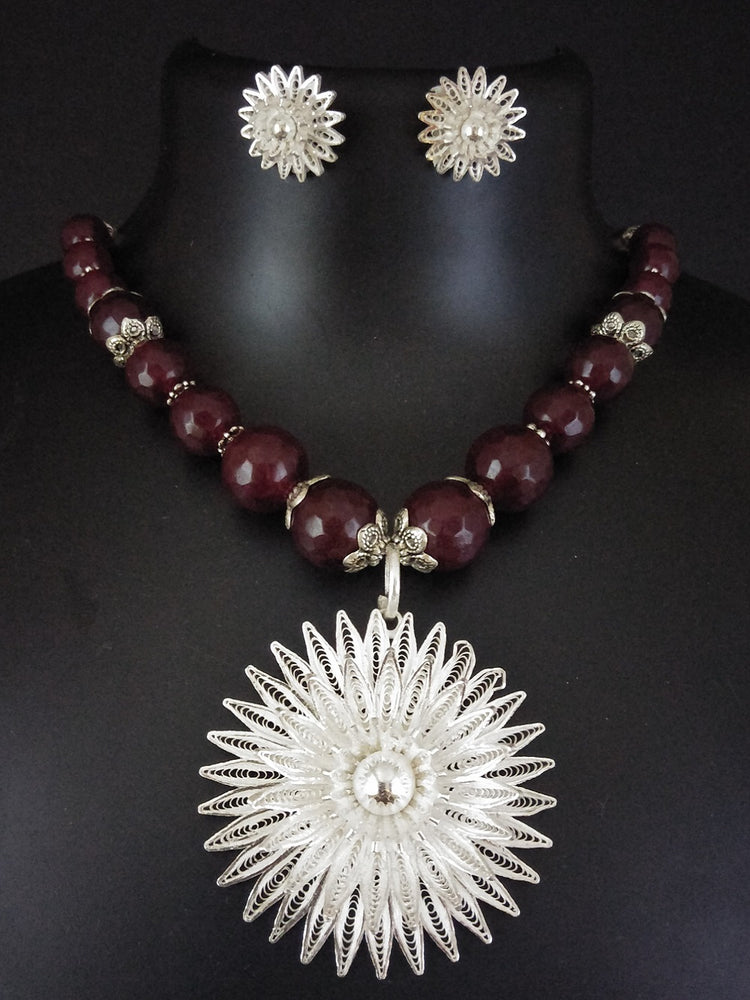 Beads necklace online