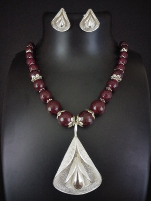 Beads necklaces online