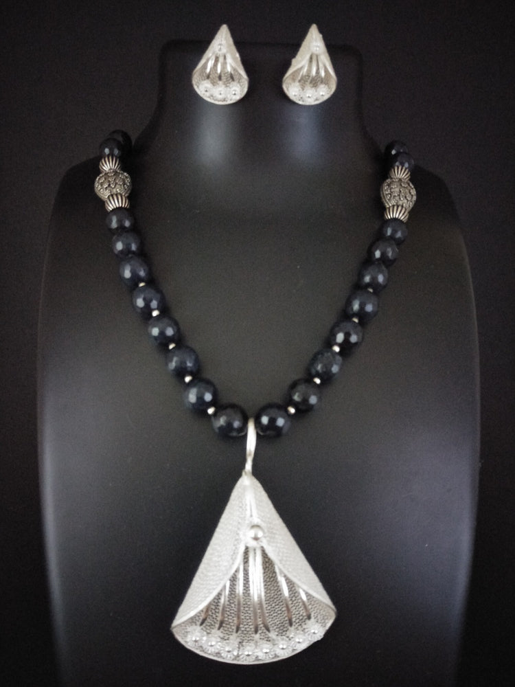 Black Beads Silver Necklace
