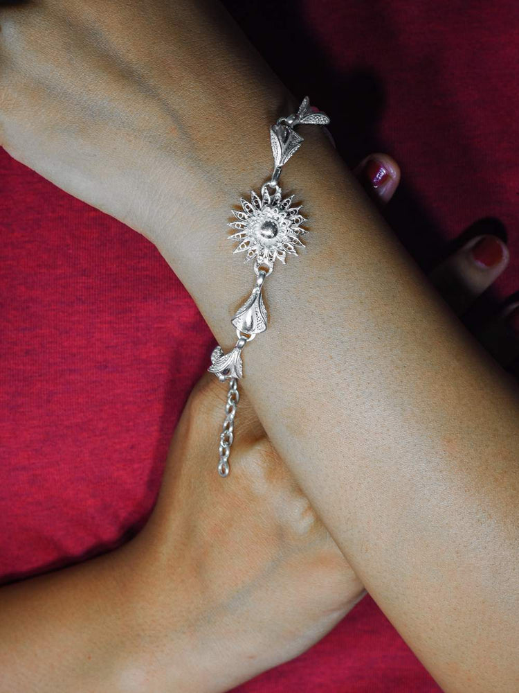 Silver Bracelets for ladies online